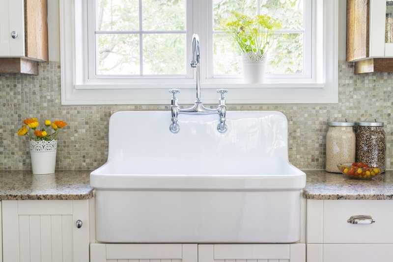 Best Bridge Kitchen Faucet Buying Guide